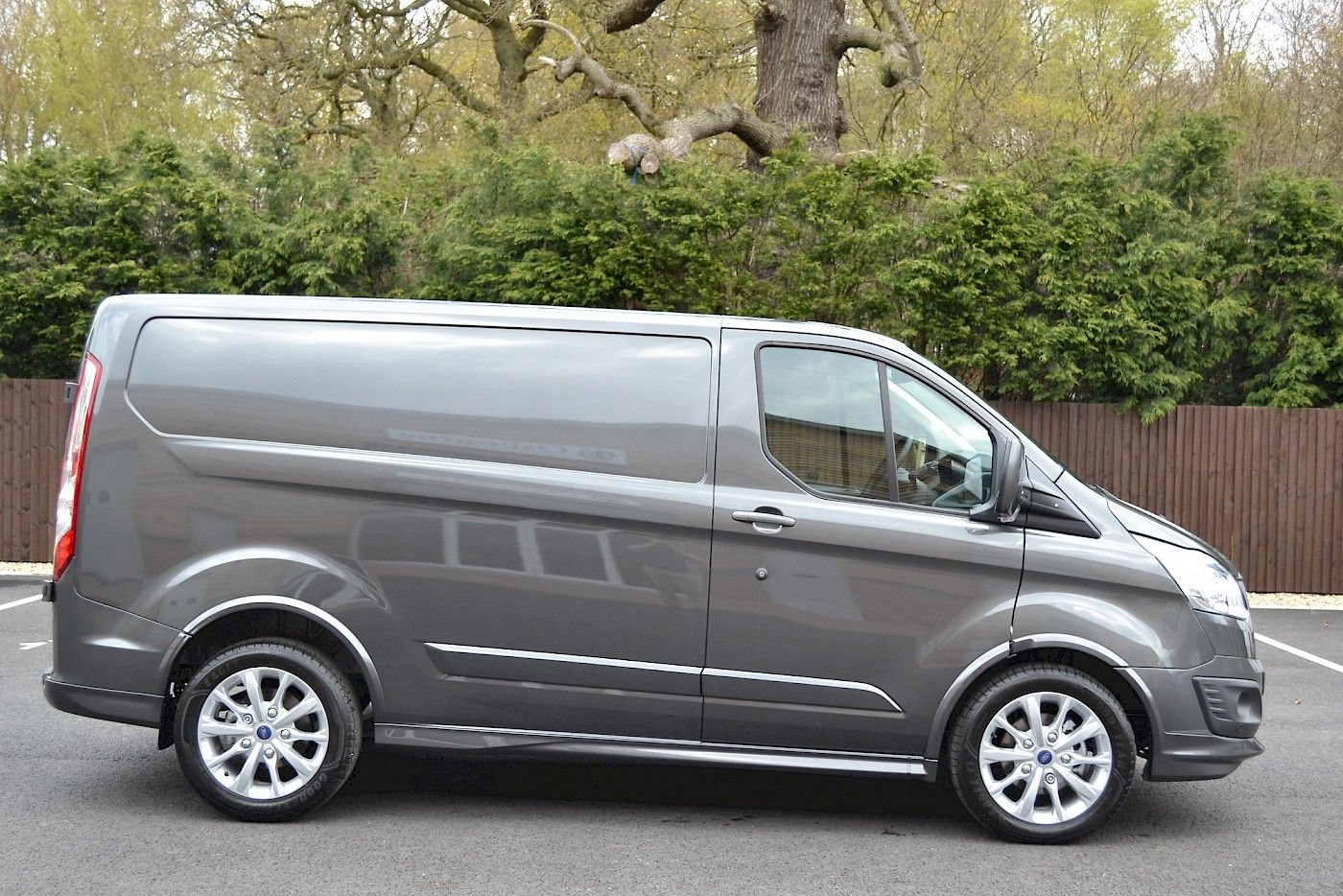 2016 16 Ford Transit Custom Sport 2 2tdci 155ps Magnetic Grey 3