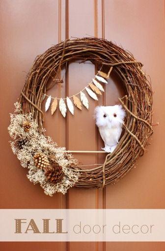 DIY Fall Door Decor- Owl Wreath. I wanna do this for Autumn. #diy #owl #wreath #fall #autumn #decor