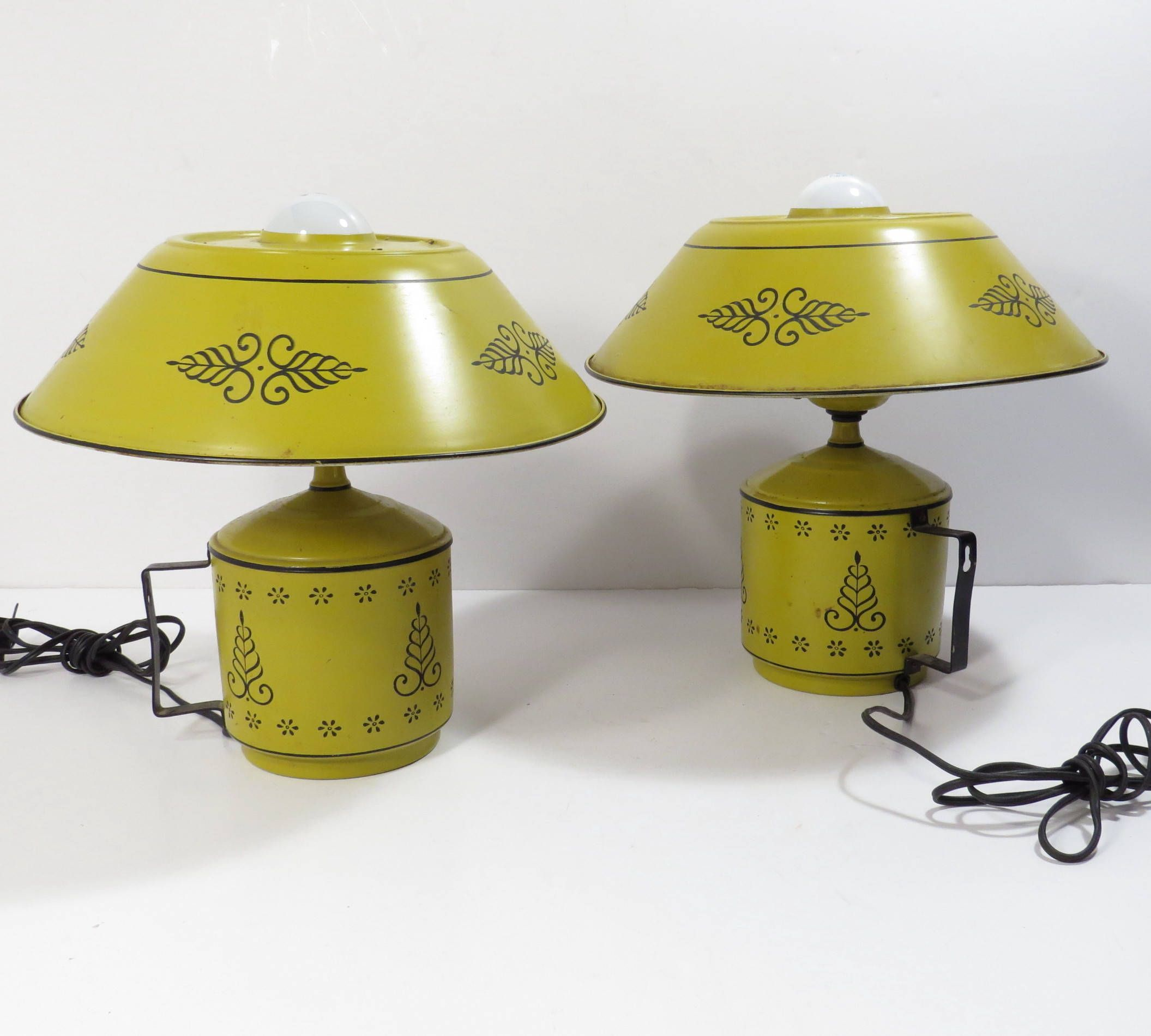 Pair Shabby Chic Yellow Tole Electric Wall Lamp Vintage 1950s ...