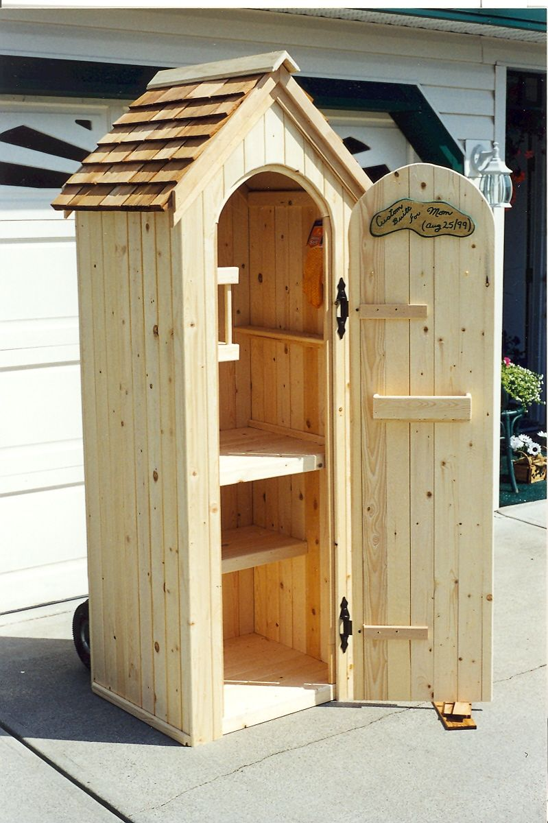 Attrayant Custom Pine Outdoor Garden Tool Shed.