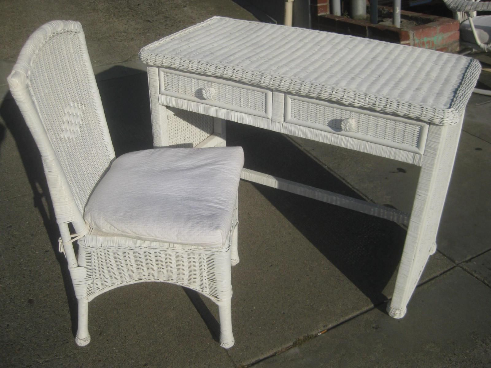 Related image (With images) Wicker bedroom furniture
