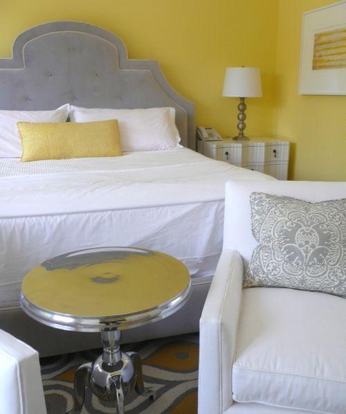 Chambre à coucher en blanc, gris et jaune - White, grey and yellow ...