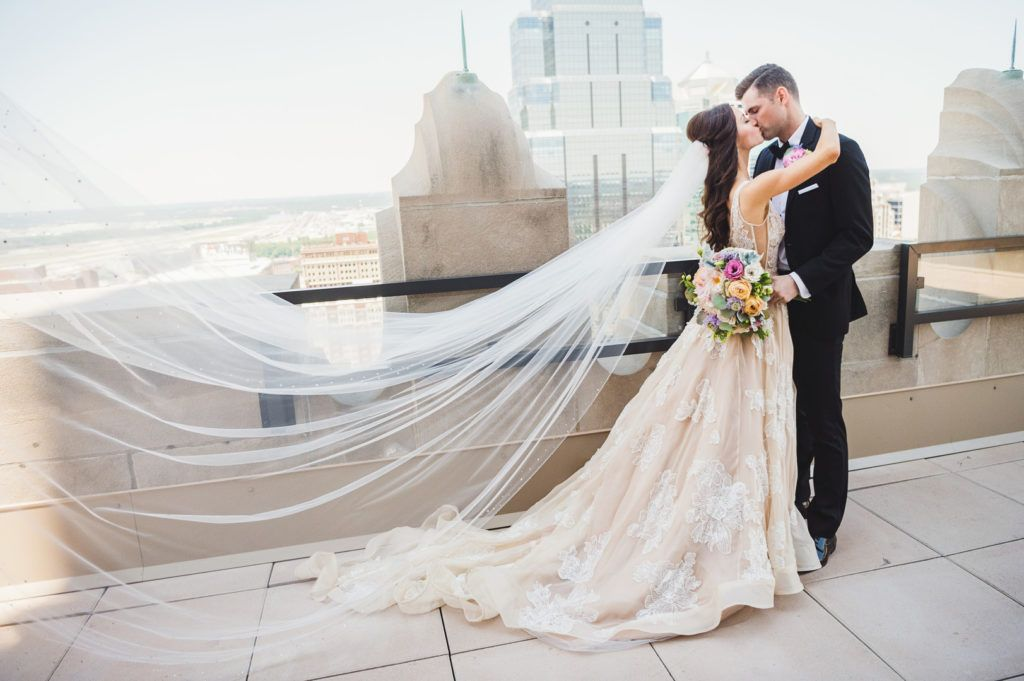Pin On Bride And Groom Wedding Portraits