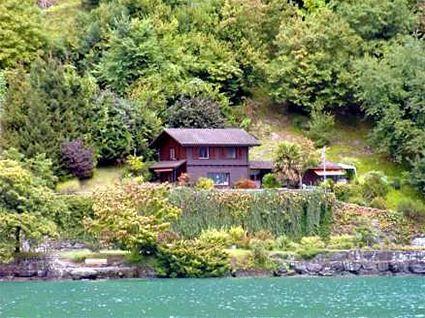 Ferienhaus Horlaui direkt am See in der Schweiz. Bei