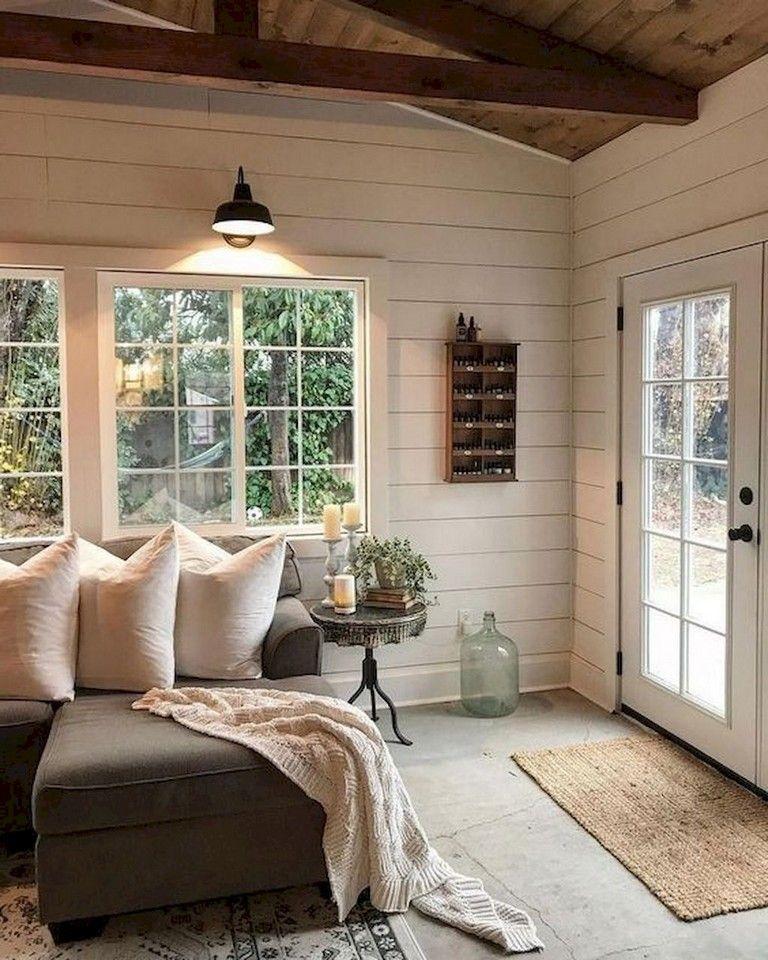 Comfy Farmhouse Living Room Designs To Steal: 58+ Comfy Modern Farmhouse Sunroom Decor Ideas