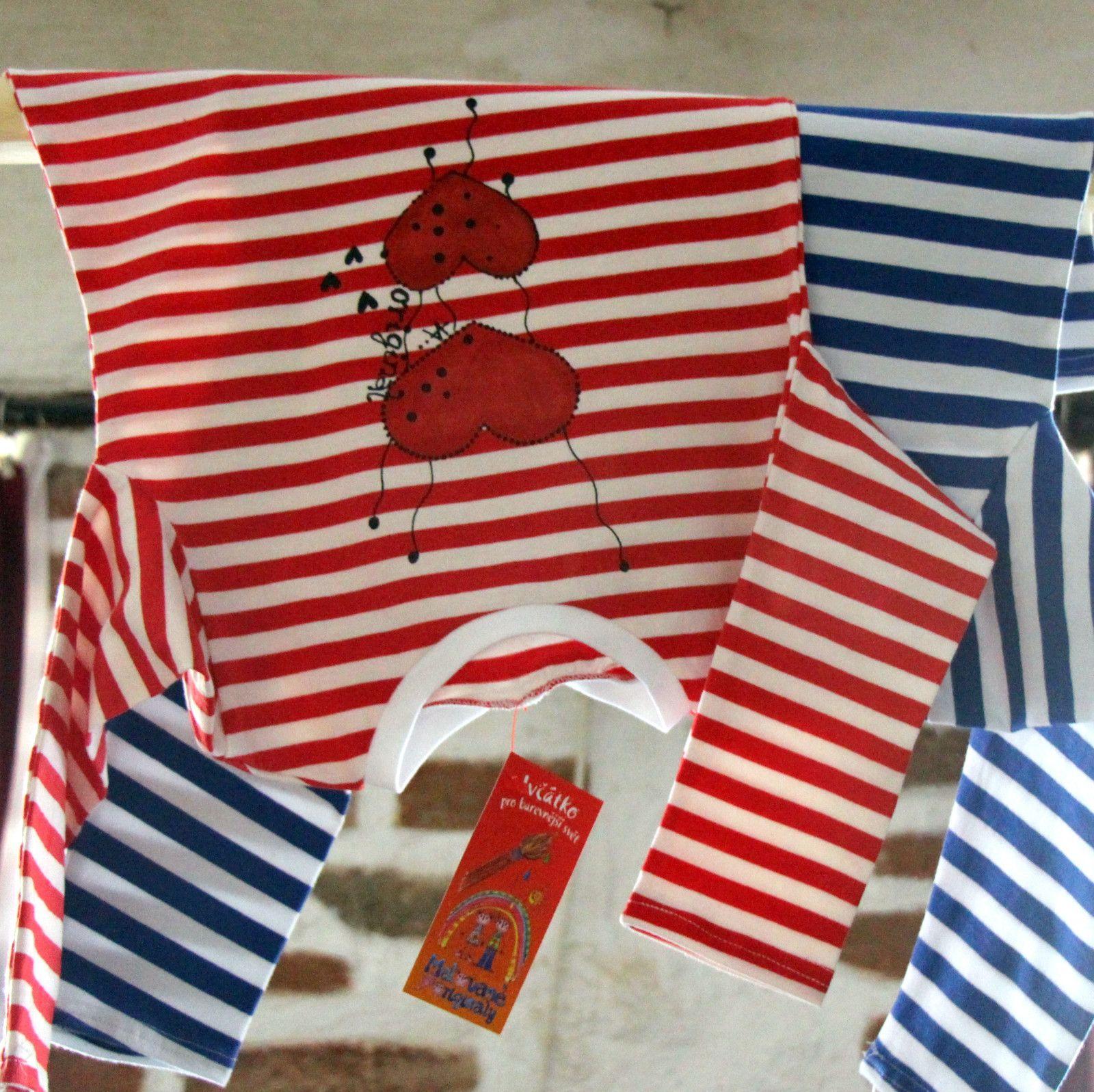 Námořnické+se+srdíčky+vel.+104/110+-+kvalitní+námořnické+triko,+dlouhérukávky+zbavlněného+úpletupocházíz+dílnyVanPierre.+-+příjemný+bavlněný+úplet,+95%+bavlna+++5+%+elastan+-+barva+bílo+-červená+-malované+pro+radost+vel.104/110+Pro+holku+bezva+námořnici.+V+nabídce+i+další+námořnické+motivy+a+velikosti...+