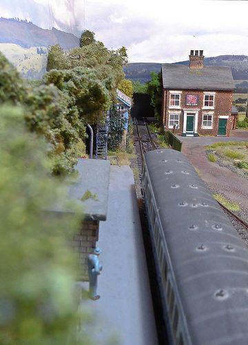Train at Dogley.   Flickr - Photo Sharing!
