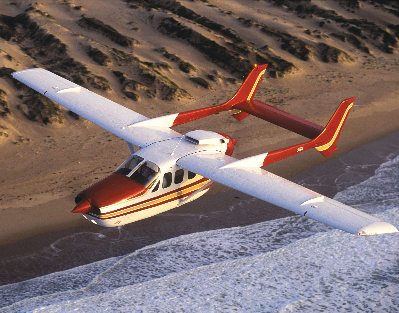Cessna 336 right hand 337 Skymaster wing landing light lens