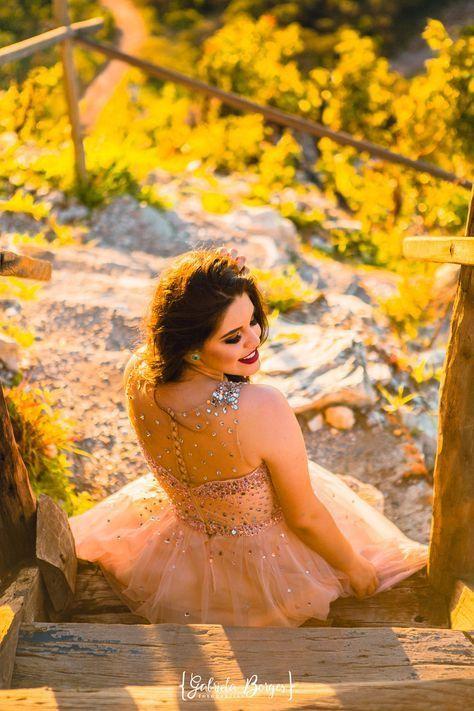 Las Mejores Poses Para Fotos De Quince Años Blog Chulísimo En 2020 Fotos De Baile Sesiones De Fotos Originales Fotografía De Chicas