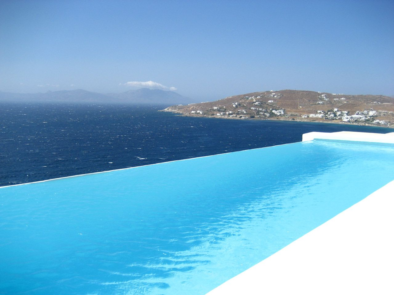 Infinity Pool Designs infinity pool design Amazing Infinity Swimming Pool Designs Remodel Interior Planning House Ideas Top With Infinity Swimming Pool Designs