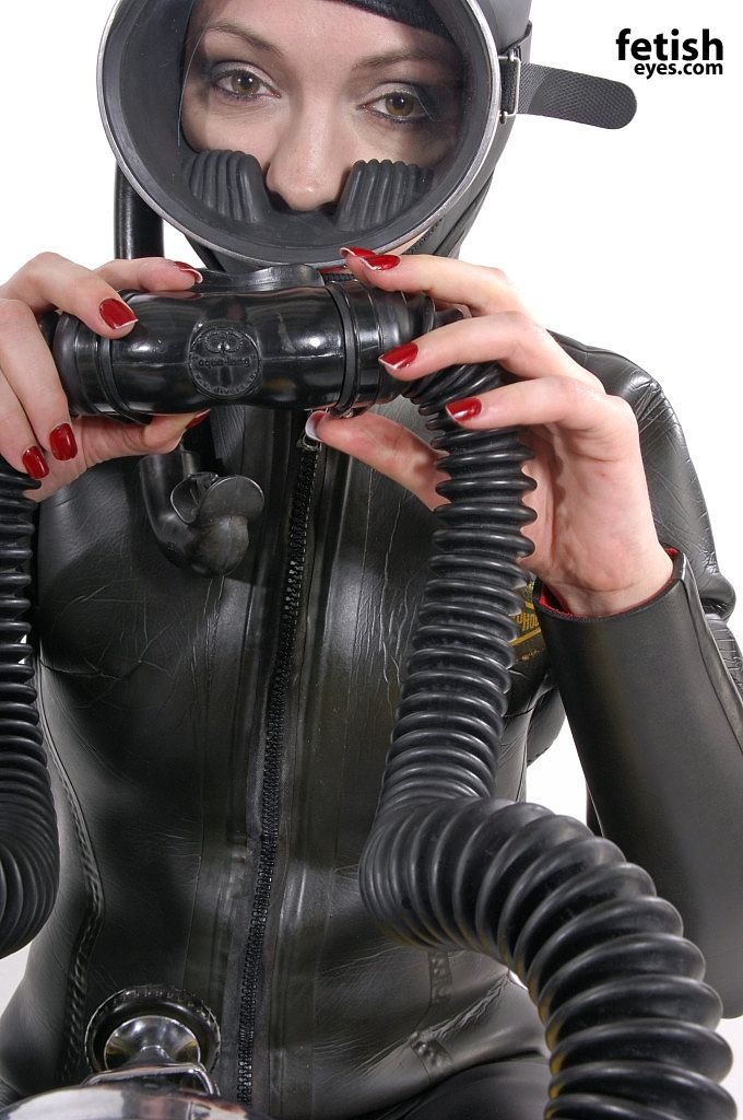 Bien fetish heavy rubber would lick