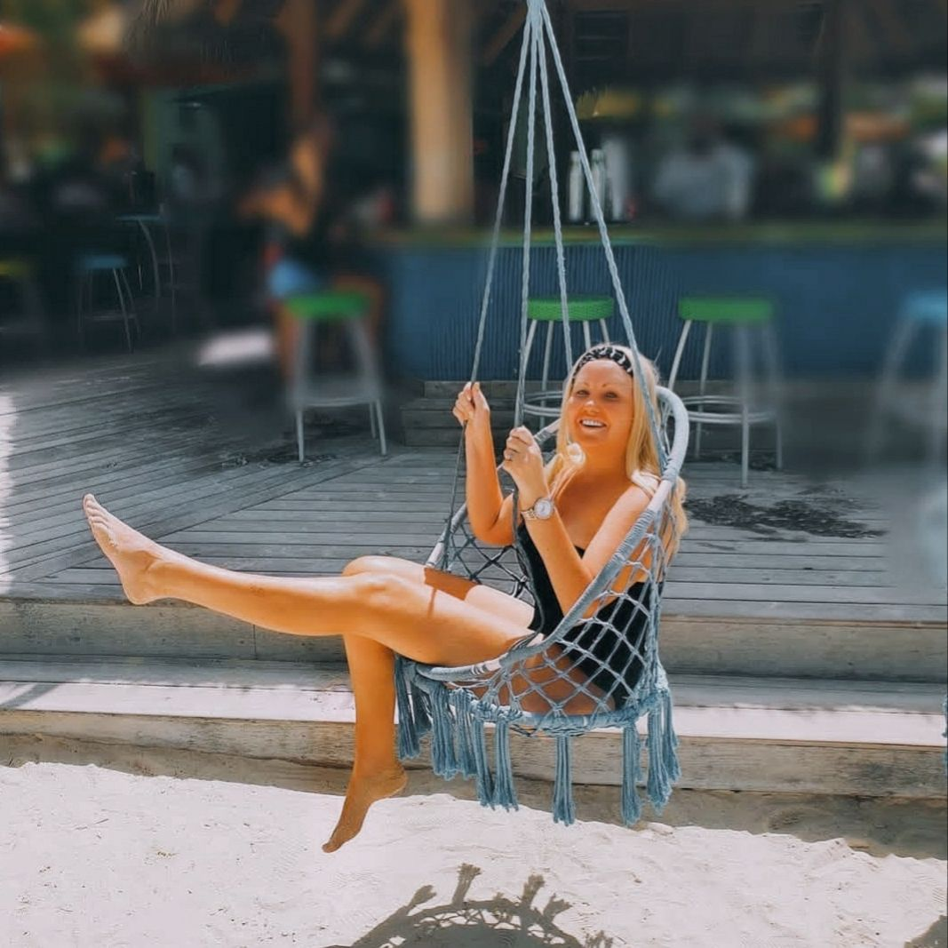 An epic beach swing we all know and love...  Tag me in your beach swing pictures ... LET ME SEE!  @gypsy_soul_movement  #gypsy_soul_movement  #Ilovetravelling✈️   #Bossbabemovement   #Travel  #Swing #freedom #Travelpreneur #gardenviews #Femaleentrepreneur   #Femaleentrepreneurlife   #Igtravel #beachswing #Travelquotes🌎   