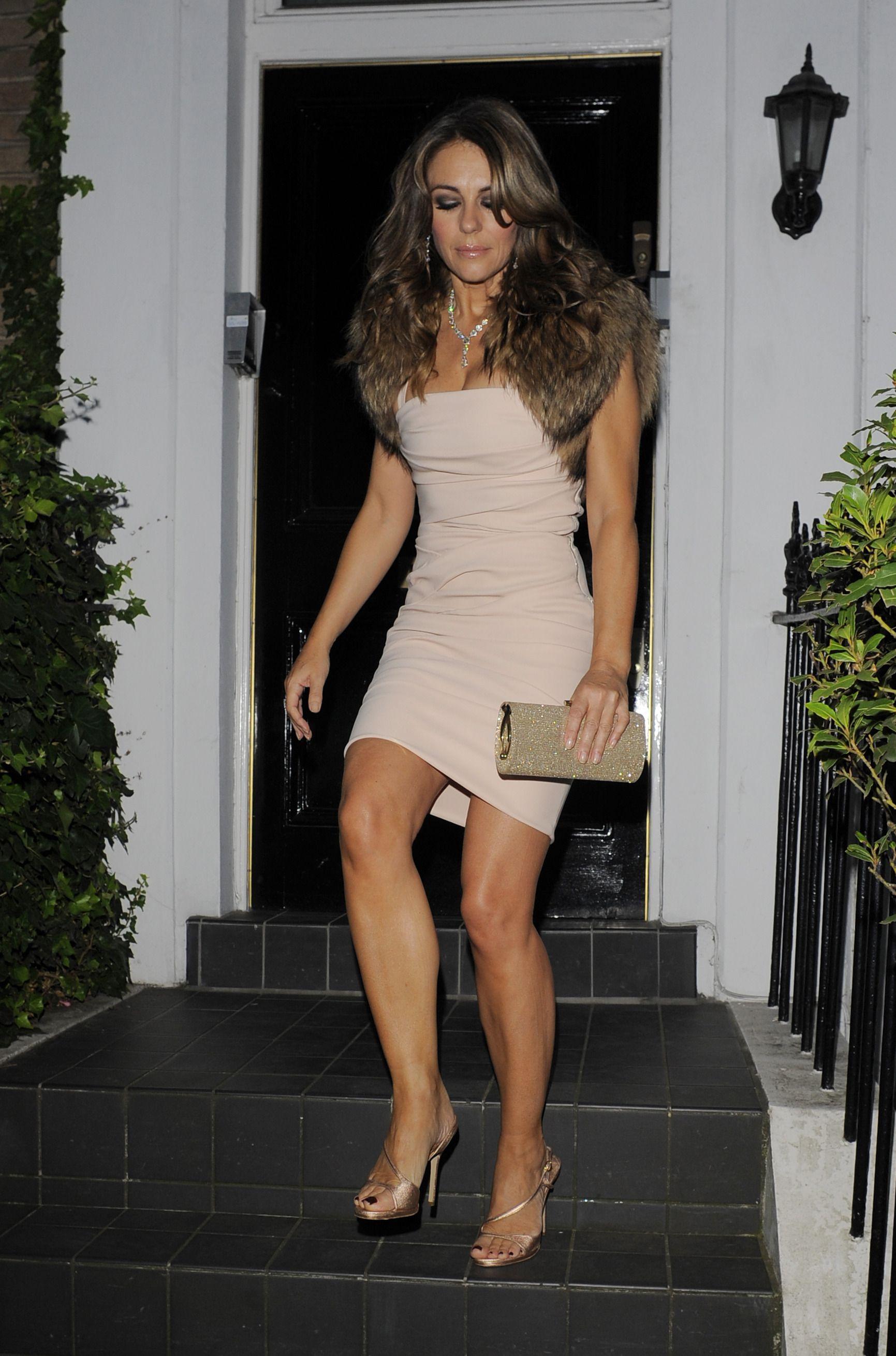 Liz hurley versace dress - Elizabeth Hurley