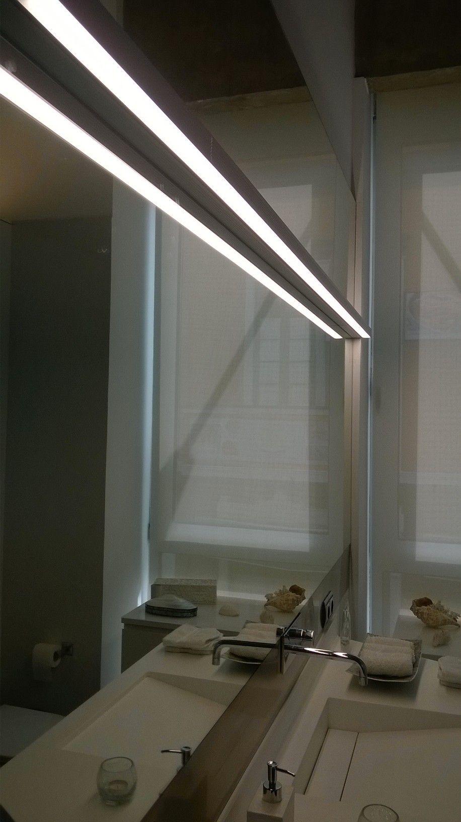 Doble iluminaci n de ba o con tiras led leduxe en perfil for Iluminacion bano led