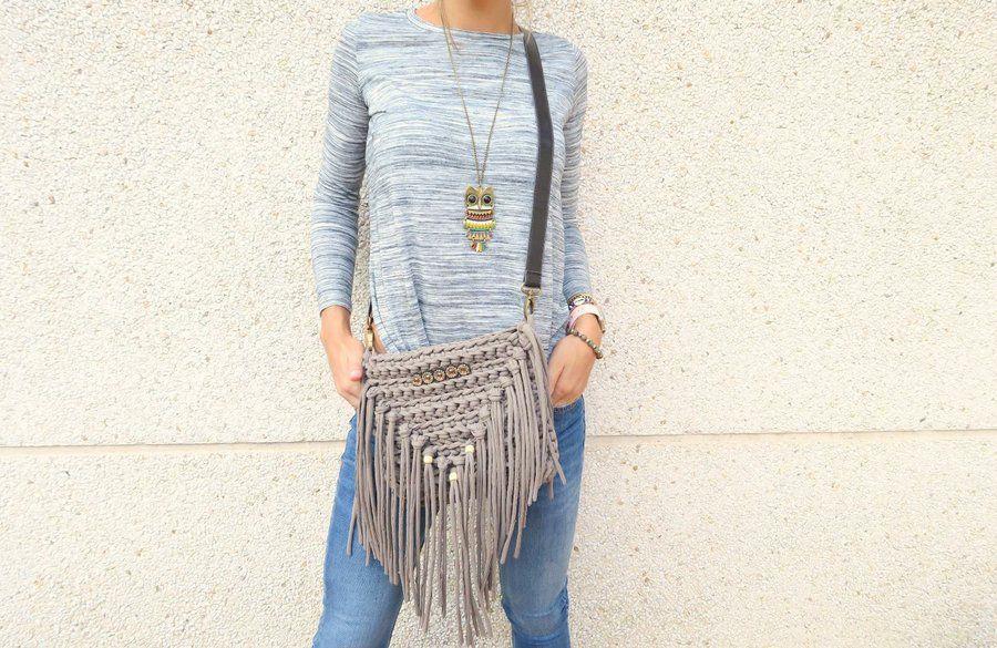 DIY Tutorial de bolso de trapillo con flecos | Crochet | Pinterest ...
