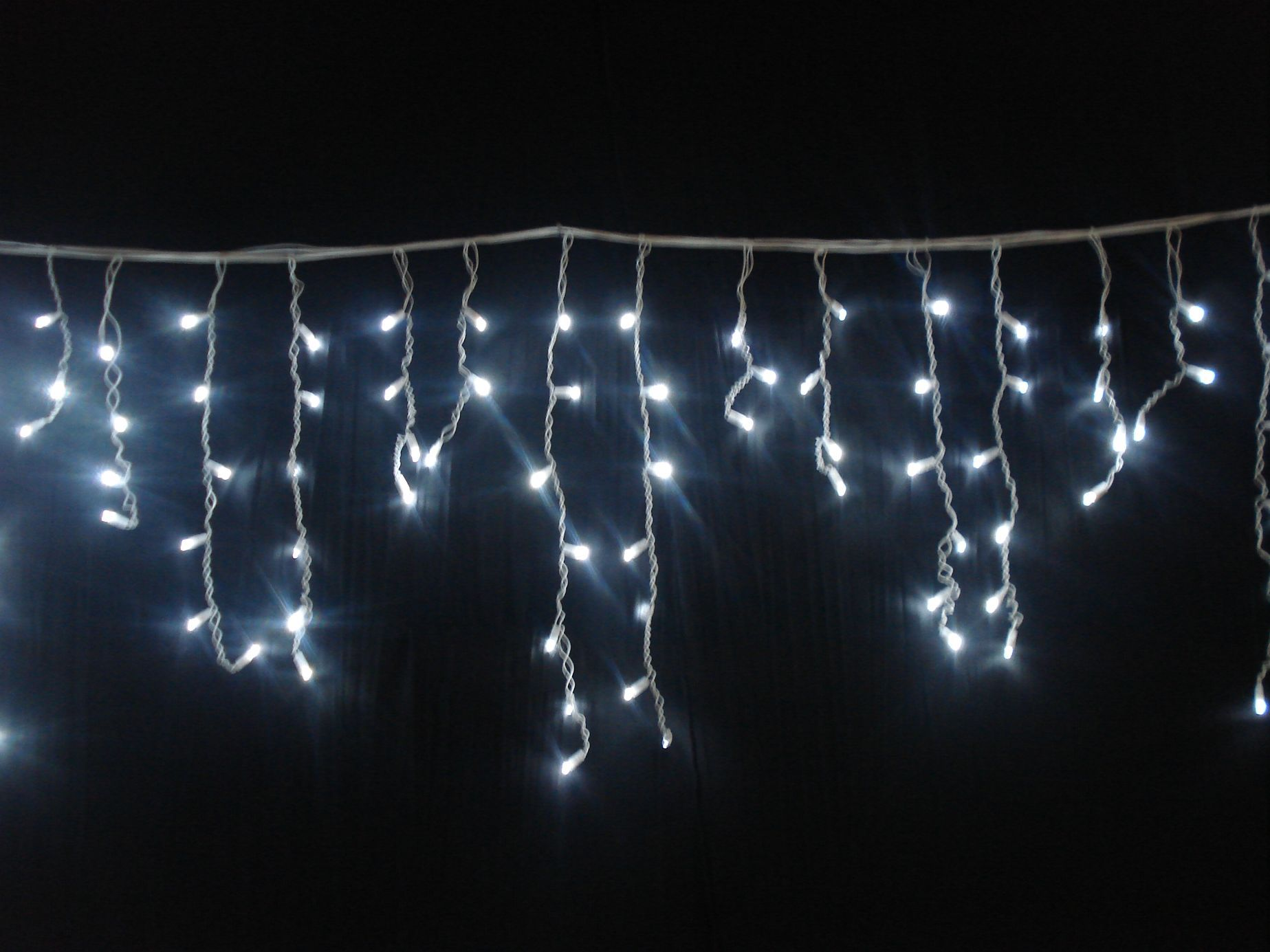 led icicle lights warm white dripping christmas lights - White Icicle Christmas Lights