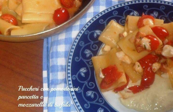 Paccheri con pomodorini pancetta e mozzarella di bufala
