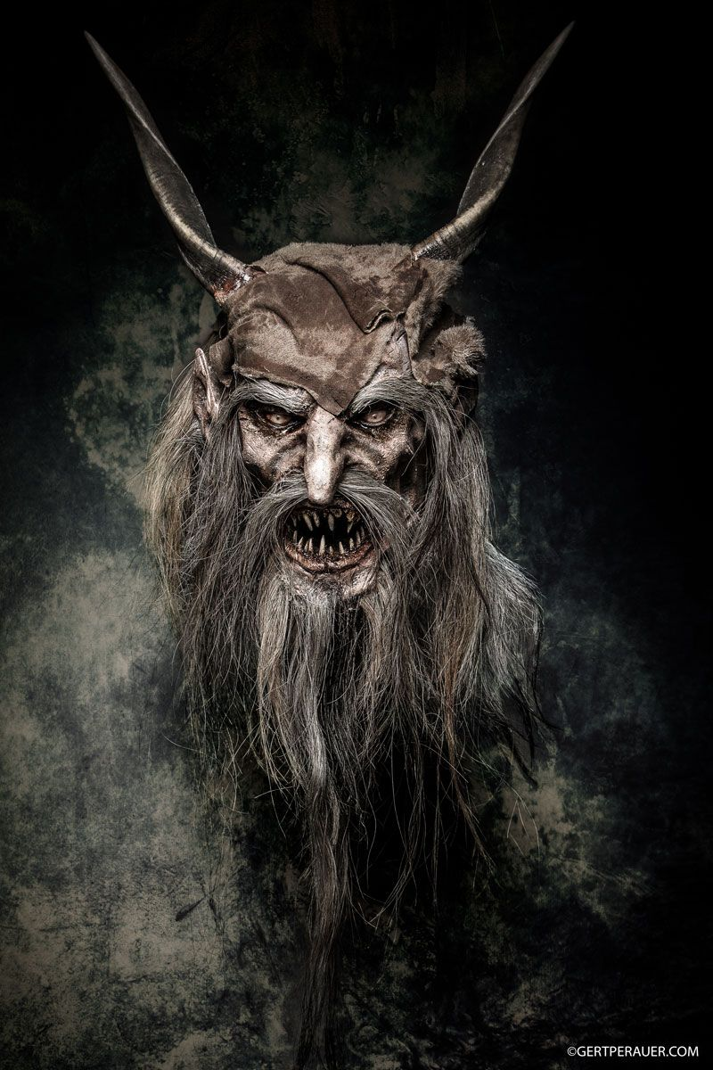 Maskenschnitzerei Maskenklinik Harald Hofer   Perchten