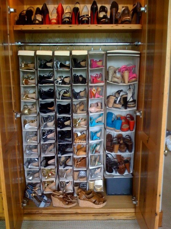 organized shoe closet color coordinated shoes christian. Black Bedroom Furniture Sets. Home Design Ideas