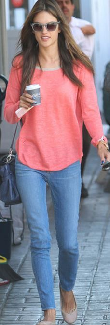 Who made  Alessandra Ambrosio's blue handbag, sunglasses, and pink sweater?