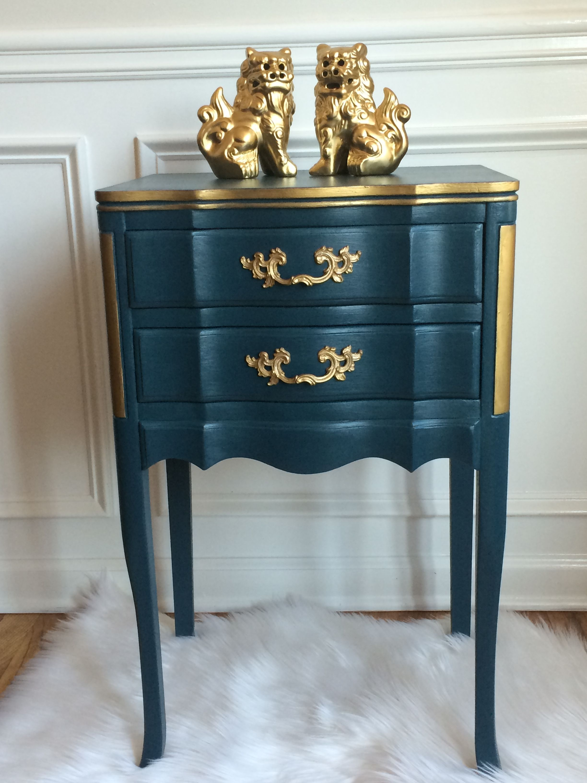 French Provincial End Table In Diy Chalk Type Paint