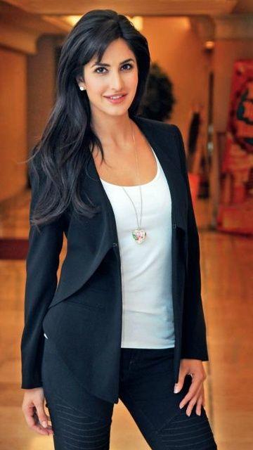 Katrina Kaif Is A British Indian Film Actress And Model Katrina Kaif Hot Pics Katrina Kaif Wallpapers Katrina Kaif Biography