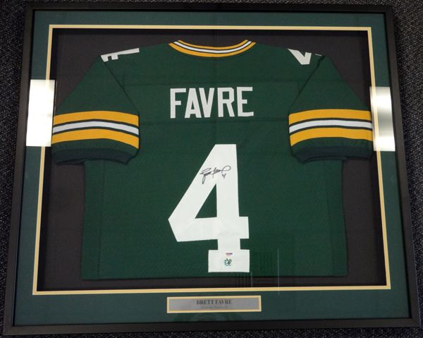 Brett Favre Autographed Green Bay Packers Green Framed Jersey PSA ...