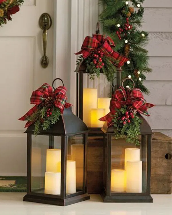 28 Easy DIY Ways To Decorate Your Home For Christmas 16