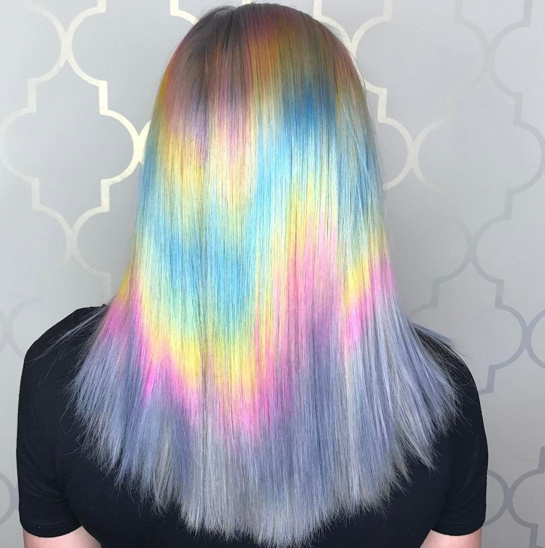 Shine Line Is The Latest Rainbow Hair Trend And It S Blowing Everyone Away Hair Inspiration Hair Hair Looks Hair 24