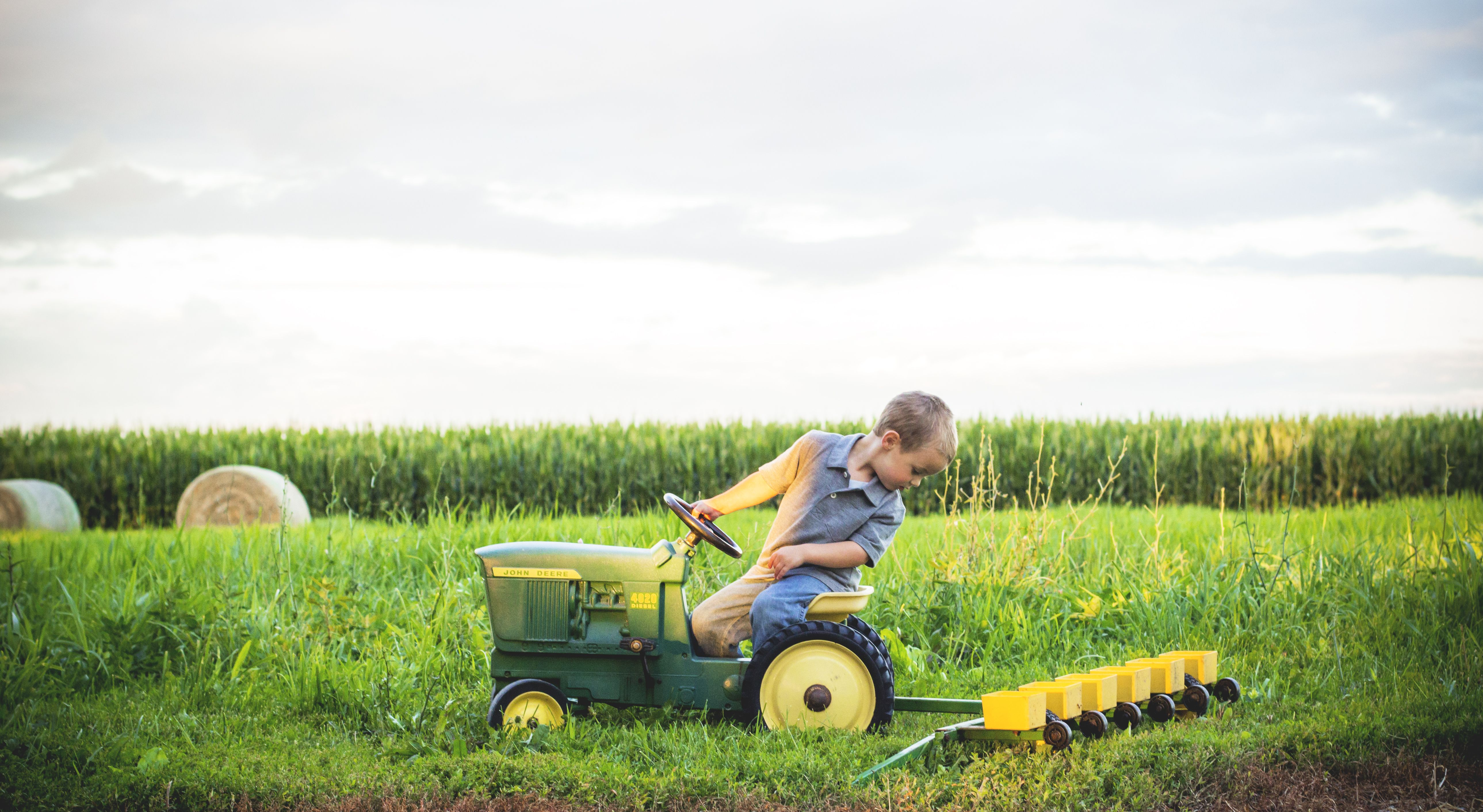 #tractor #photography #johndeere #littleboy