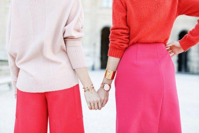 Rot und Rosa ist die Trend-Kombi der Saison