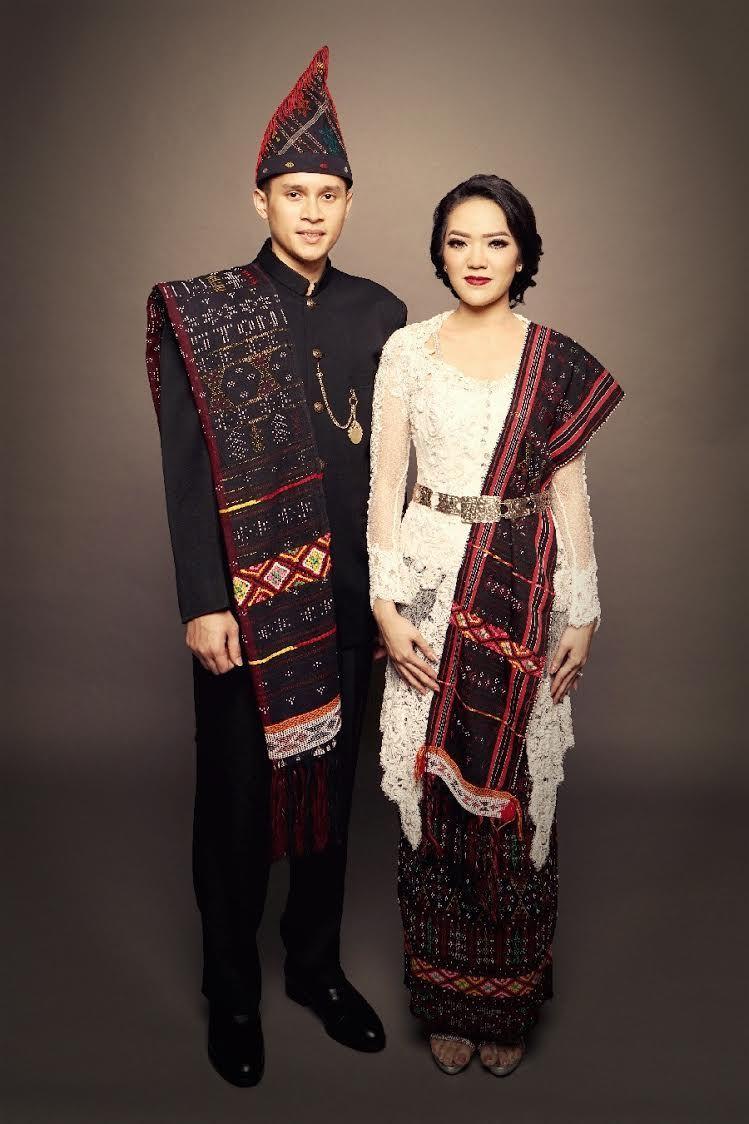 Pakaian Adat Melayu Modern