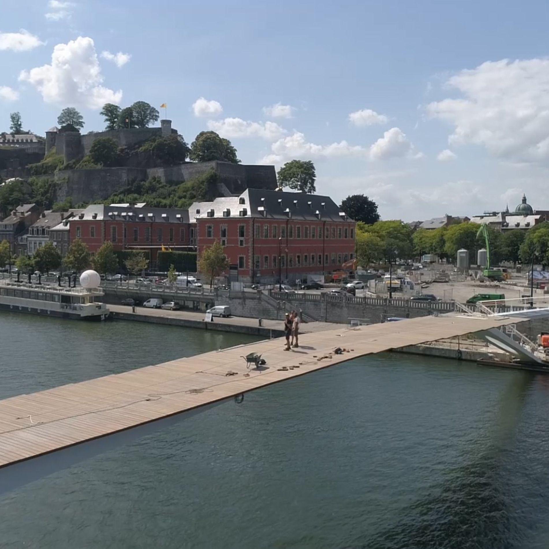 """Namur """"L'Enjambée"""""""