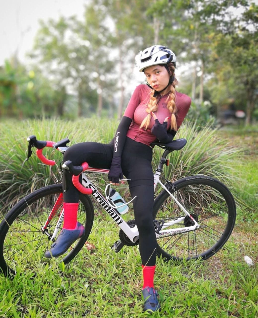 Pin By Al Bayu Ajie On Bikes The Ladies Cycling Women Cycling Girls Bicycle Girl