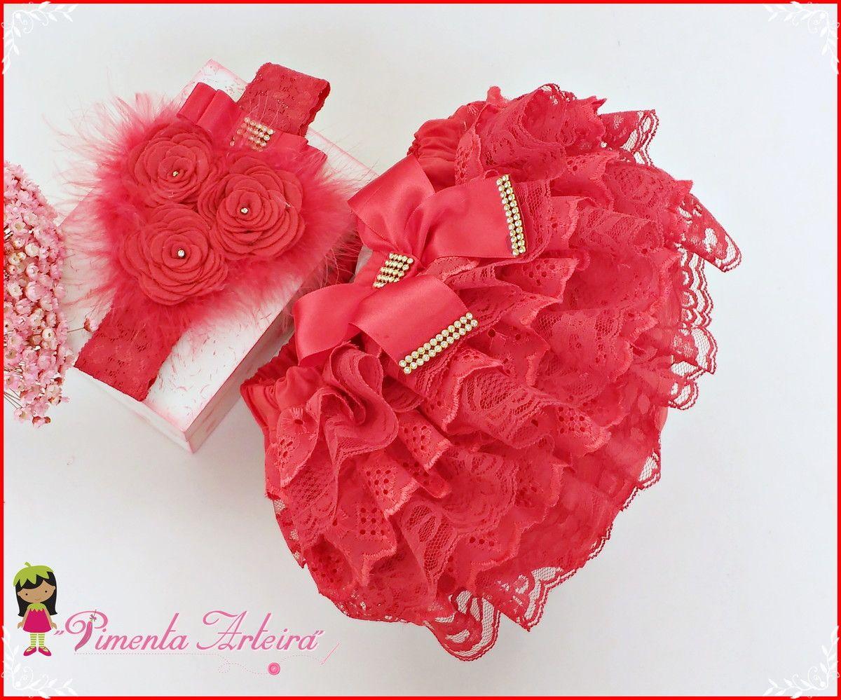 d62e659a8 Calcinha bunda rica feita com renda e bordado inglês Acompanha Tiara de  renda