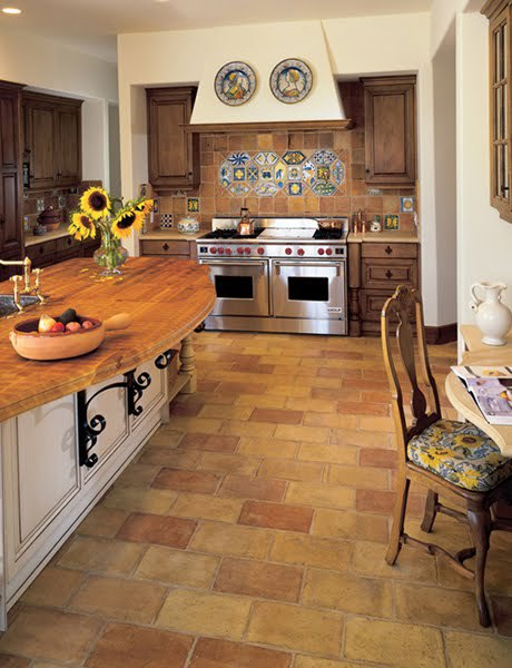 Terracotta Floor Tile Decorating Ideas Thebigandbeautifulkitchenwiththegreatbrowntilehasabig