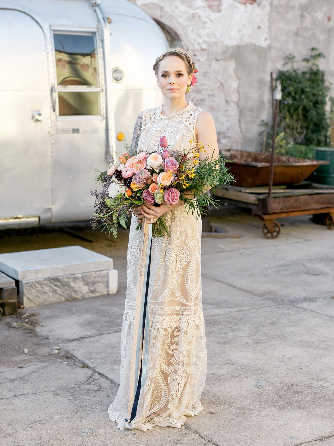 Bold + Floral-Filled \'70s-Inspired Wedding Inspiration | Bhldn ...