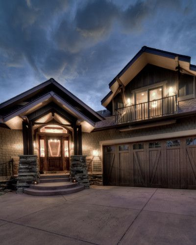 Rustic Home Exterior Pictures: Contemporary Rustic Garage Doors On Vinyl Sided House