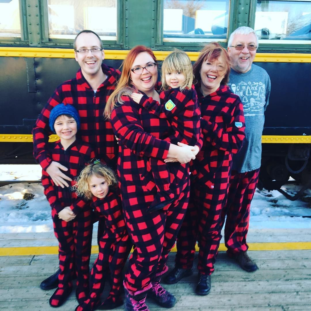 This family is ready to take the train in matching Canada