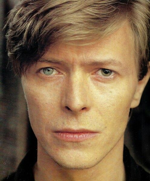 david bowie le beau david bowie pinterest musique. Black Bedroom Furniture Sets. Home Design Ideas