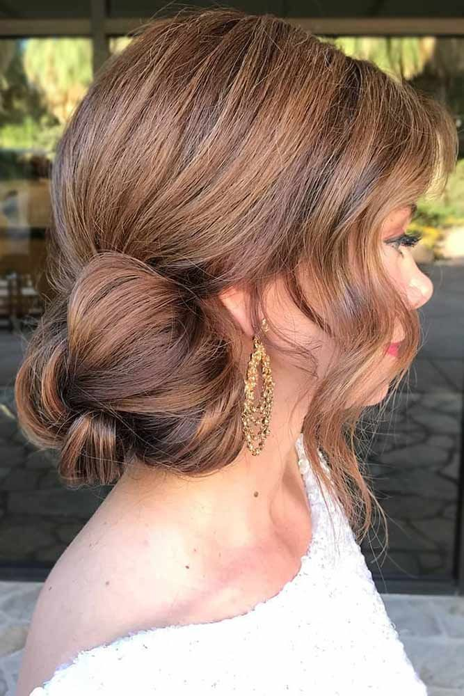 Five Minute Gorgeous And Easy Hairstyles Lovehairstyles Com Side Bun Hairstyles Easy Bun Hairstyles Easy Hairstyles