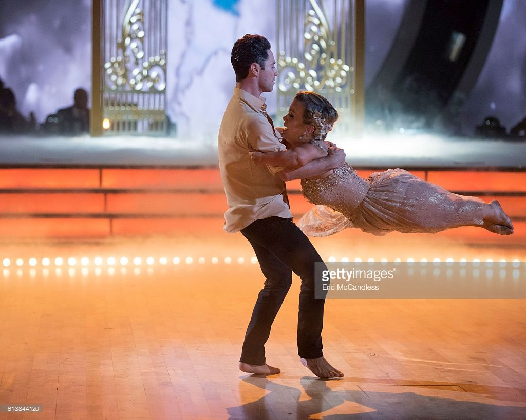 S Dancing With The Stars Season 23 Week Five Photos and ...