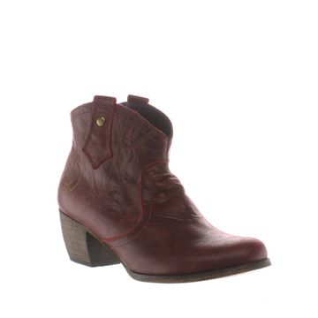 burgundy mountain part of the womens red or dead boots range available at schuh