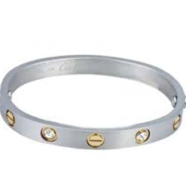 0f5fd158f3f731 Two tone Cartier bracelet | My Style | Cartier bracelet, Cartier ...