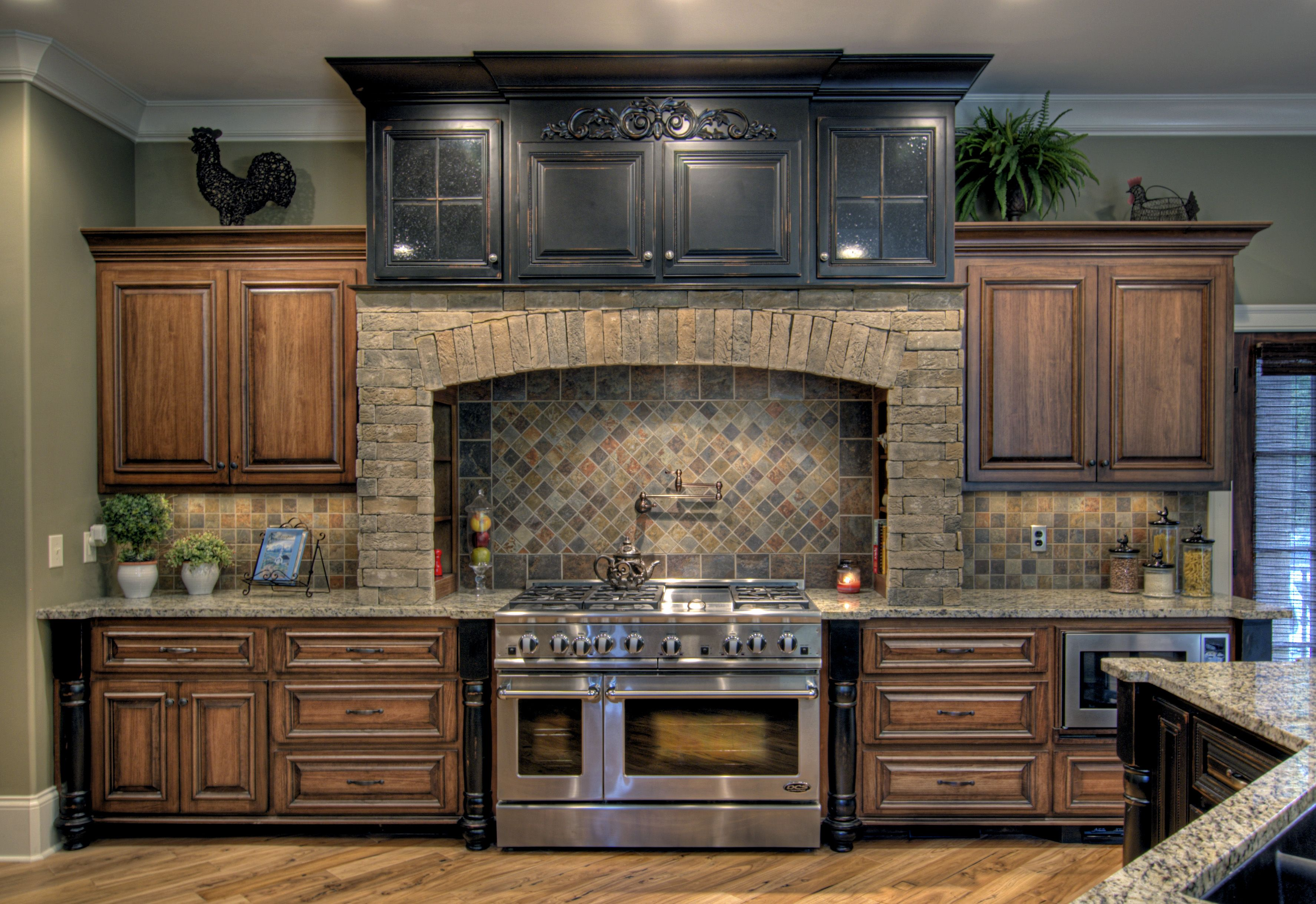 Poplar with umber stain and van dyke 3 549 for Best wood stain for kitchen cabinets