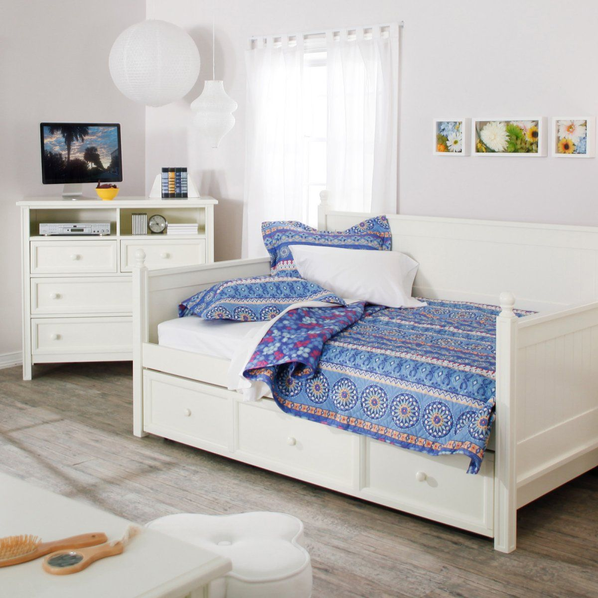 Casey Daybed White Full Daybeds at Hayneedle guest