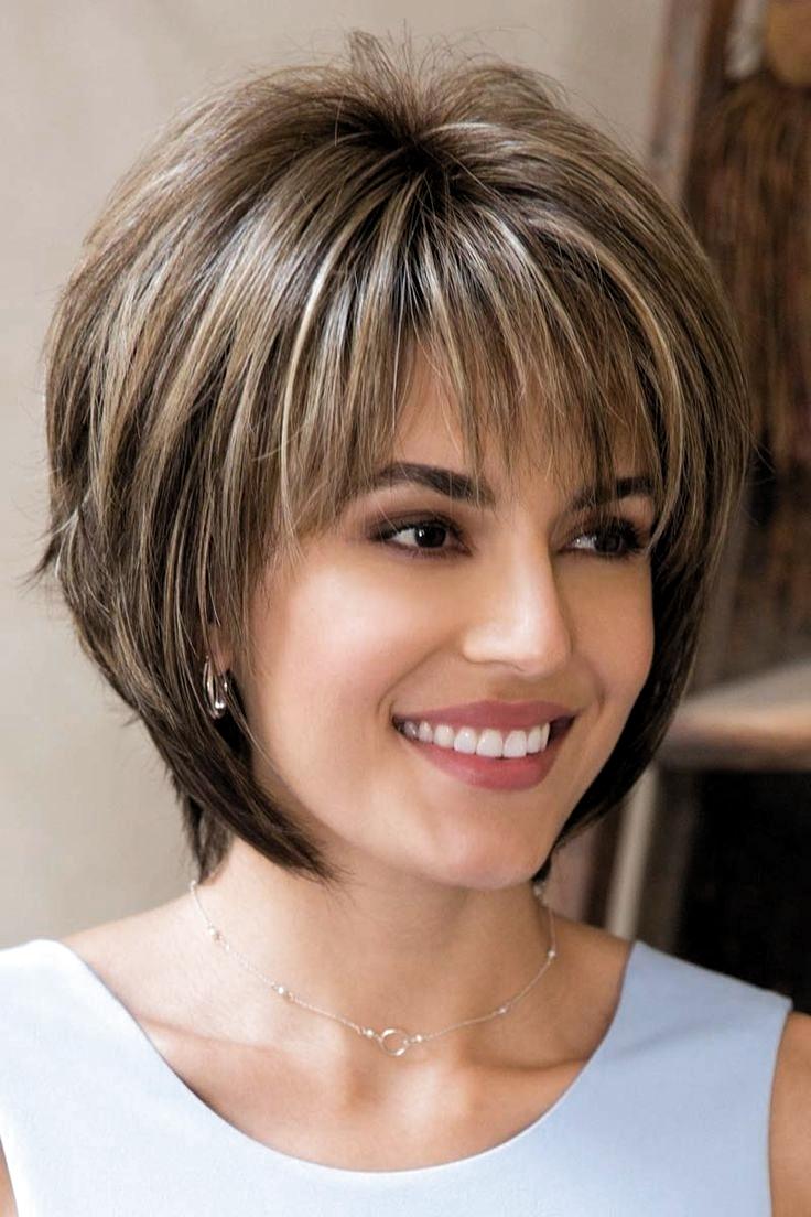 Light Brown Short Hairstyle In 2020 Kapsels Kapsels Voor Kort Haar Fijn Haar Kapsels