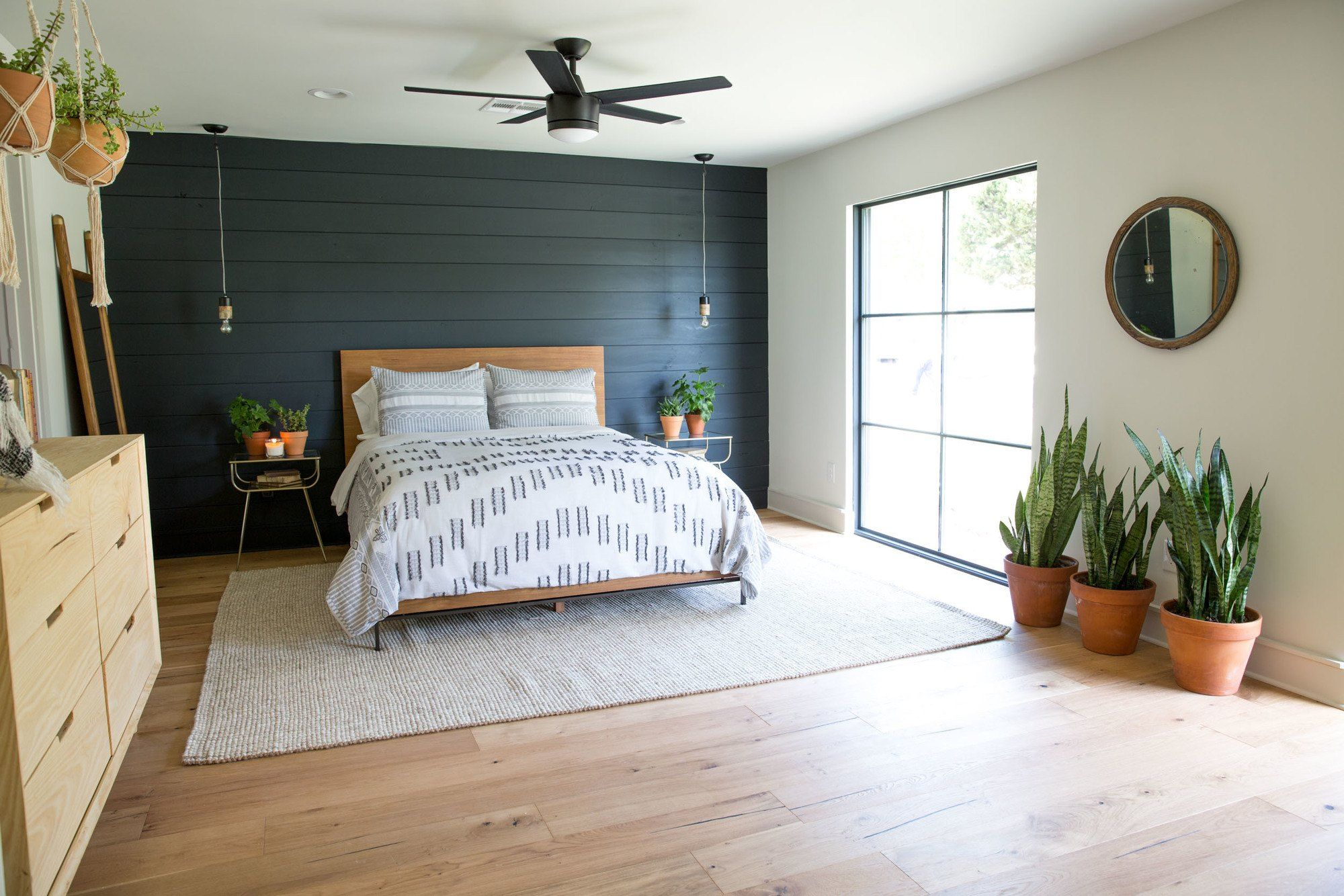 A Wall Of Black Shiplap Took Classic Look And Made It Fit With The Feel Rest Wixsom Home