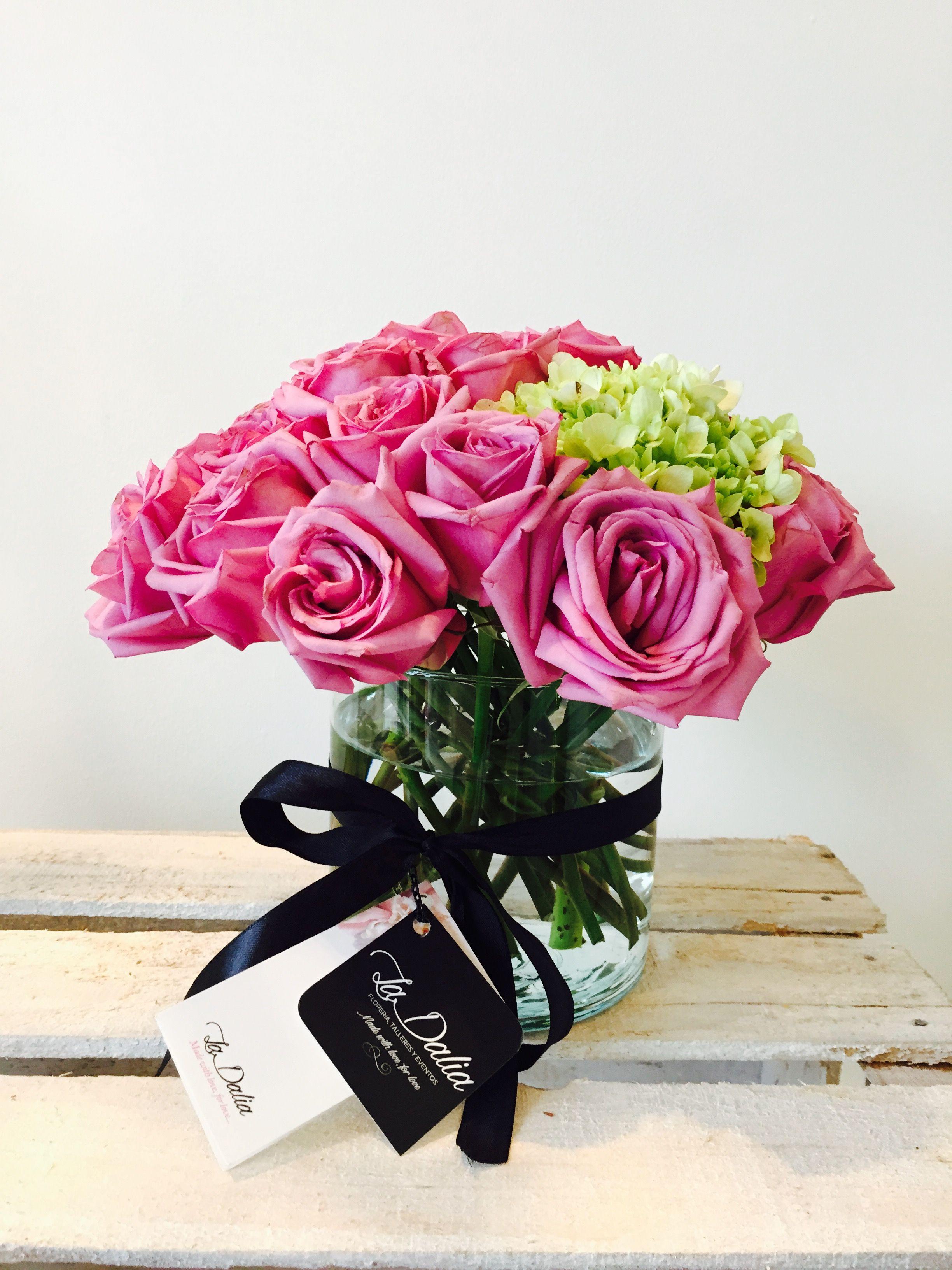 ¨La Dalia Floreria¨ Rosas y hortensias.