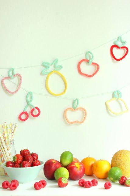 Früchtegirlande mit der Strickliesel von pfefferminzgruen.blogspot.de